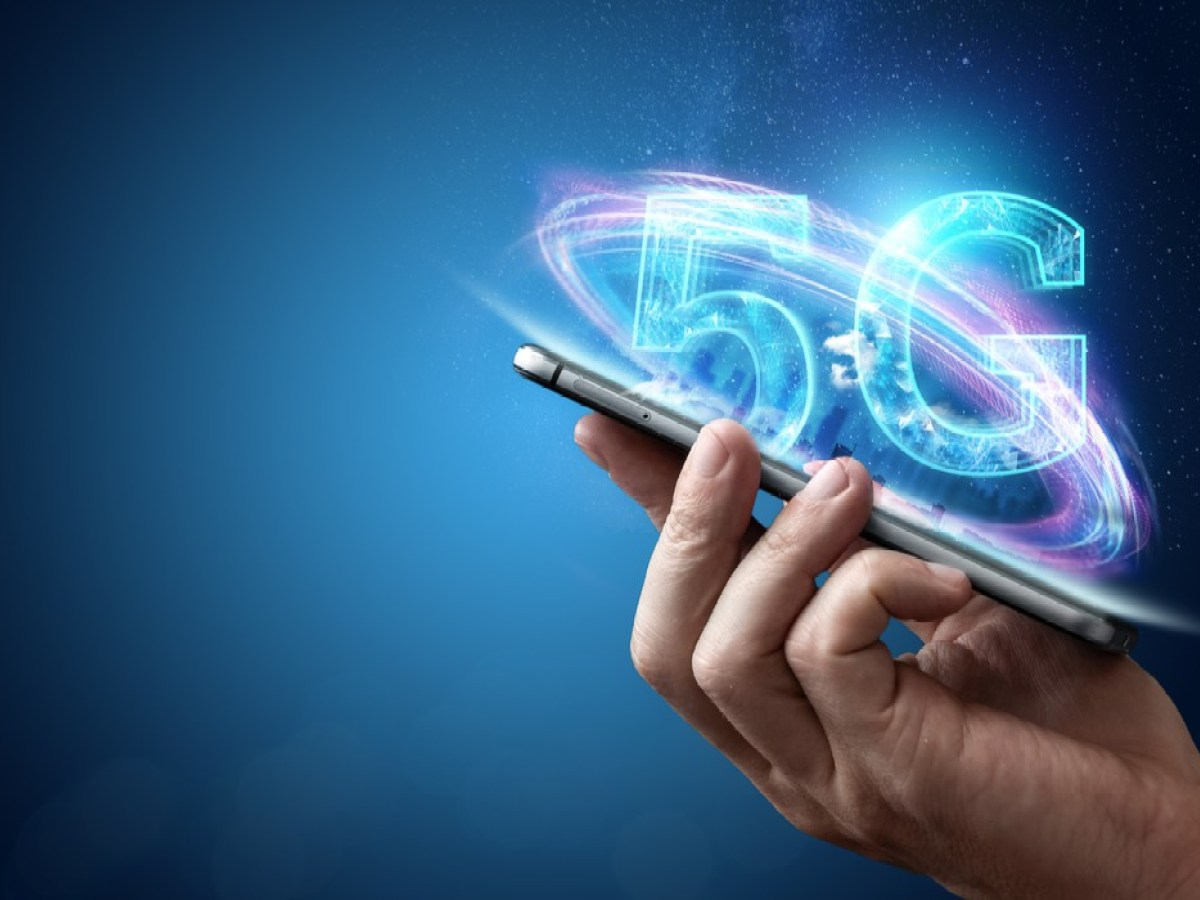 Singapore-minister-says-5G-mobile-networks-roll-out-remains-on-track